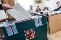 Volební místnost v Rokytně slouží i obyvatelům.