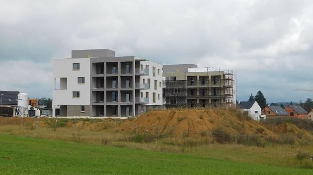 Radnice nabízí pět parcel, více zájemců se o ně utká v aukci