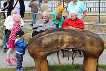 Do přírodního parku u Domova seniorů včera zavítali malí i velcí návštěvníci.