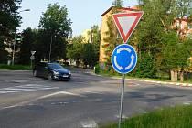 Opravu ulice Vysocká včetně nové kruhové křižovatky plánuje kraj na příští rok.