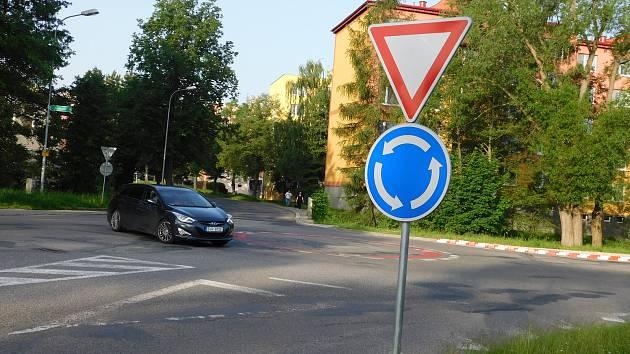 Křižovatka projde přestavbou až příští rok