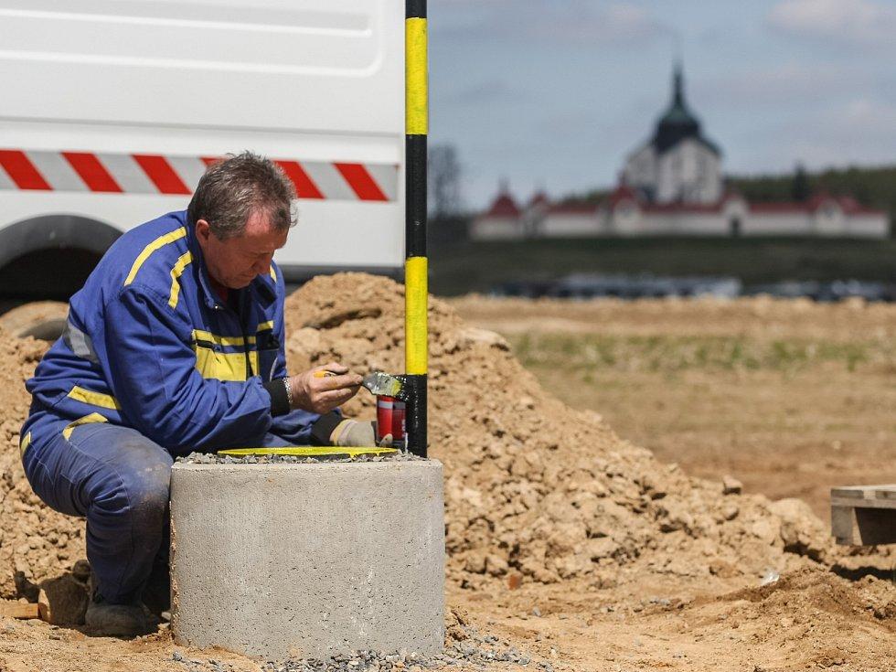 V Žďáře nad Sázavou se staví sítě pro obytné domy – parcely na Klafaru: