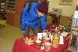 Výstava, na níž mohou návštěvníci vytipovat mezi výrobky například vhodný dárek pro své blízké k Vánocům, bude trvat do pátku 19. prosince.