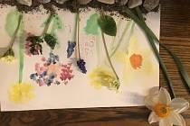 Děti ze žďárské ZUŠ malovaly pro Charitu.