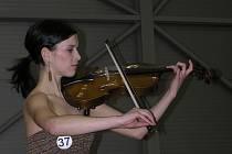 Při konkurzu do loňské soutěže Miss Vysočiny předvedla osmnáctiletá Petra Snášilová z Náměště nad Oslavou hru na violu.