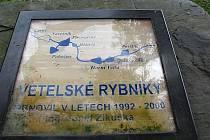 Kolem soustavy Vetelských rybníků budou turisté procházet po nové naučné stezce.