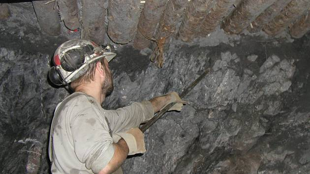 Kromě těžby se nyní provádí i další geologický průzkum ložiska.