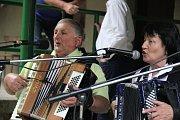 Na své si na akci přijdou milovníci harmonik a heligonek i náruživí tanečníci.