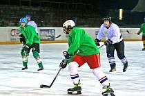 z Vesnické hokejové ligy...