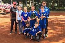 Mladší žáci Žďáru nad Sázavou postavili na českém šampionátu v Karlových Varech dvě družstva v dvojkách i trojkách. V konkurenci 19 družstev skončili dvakrát třetí.