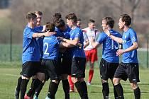 Divizní fotbalisté Žďáru nad Sázavou minule vyhráli ve Staré Říši, v neděli je na Bouchalkách čeká druhý tým tabulky z Uherského Brodu.