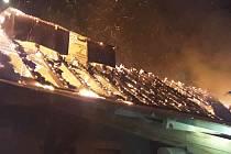Při požáru vznikla škoda za půldruhého milionu.