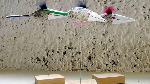 Práce výtvarnice Báry Hubené na současné výstavě v Galerii z ruky v Křížovicích.  Foto: Jan Dočekal