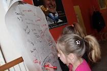 Na svoji bývalou žačku Martinu Sáblíkovou nezapomínají ve žďárské zá- kladní škole ve Švermově ulici.