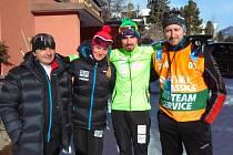 Do Švýcarska dorazil Atlas Craft Team až den před závodem. Jiří Ročárek (druhý zprava) skončil na La Diagonele na 25. místě, Adéla Boudíková v ženské konkurenci desátá. Servis jim dělal Jiří Ročárek starší (vlevo) a Tomáš Kunstmueller.