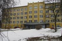 Žižkova 227/1, Žďár nad Sázavou. To je adresa žďárské radnice. A také trvalé bydliště pro 910 lidí. Na sklonku roku 2015 tam bylo hlášeno 899 osob.
