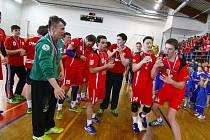 Mistrovské oslavy staršího dorostu Nového Veselí jsou minulostí. Novou mládežnickou sezonu odstartuje domácí turnaj Kempa cup, na němž se představí 16 týmů.