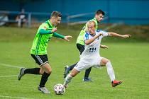 Fotbalisté Nového Města (v zelených dresech) získali poprvé v letošním ročníku MSFL před vlastními fanoušky všechny tři body. Béčko Baníku Ostrava zdolali 3:2.