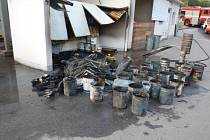 Ve skladu barev ve Velkém Meziříčí hořelo, požárem vznikla škoda 20 tisíc korun.