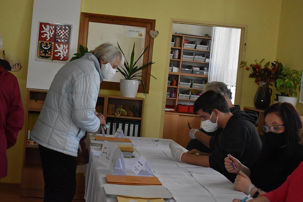 Volby v prvním okrsku se uskutečnily v mateřské škole na Žďárské ulici.