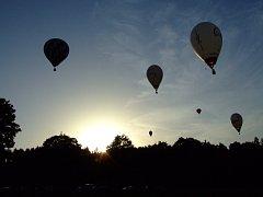 Nebe nad Radešínem zaplnily balony