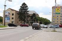 Jak zlepšit plynulost provozu v křižovatce Brodské a Revoluční ulice? Žďárští radní řešení zatím nenašli, příští rok budou hledat dál.