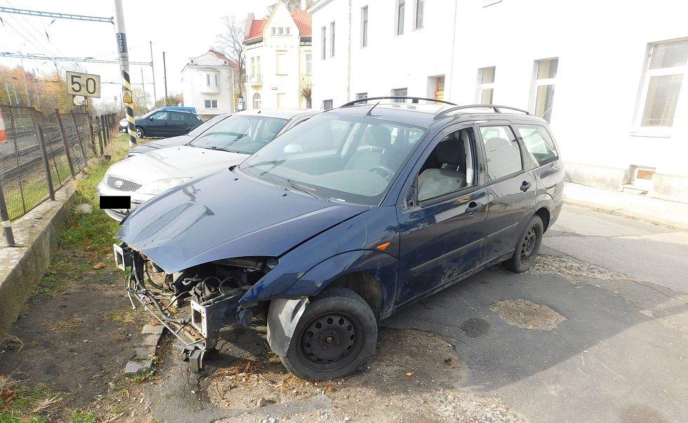 Autovraky hyzdí městské ulice. Ilustrační foto