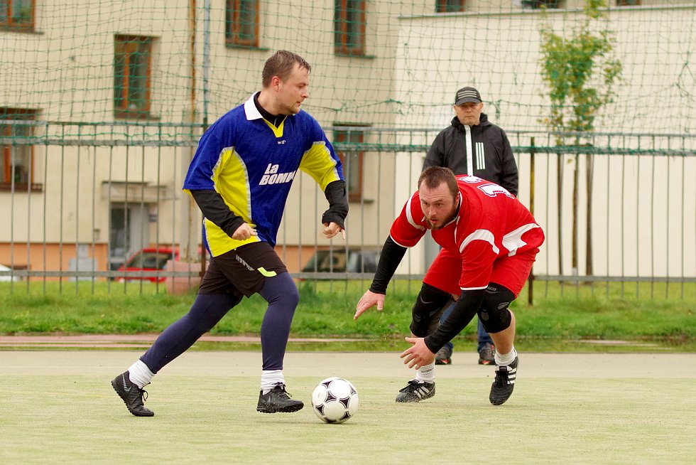 Podzimní část obou lig malé kopané ve Žďáře vstupuje do své závěrečné třetiny.