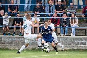 Ve druhém kole MSFL zdolali fotbalisté Nového Města (v modrém) juniorku Zlína 1:0.