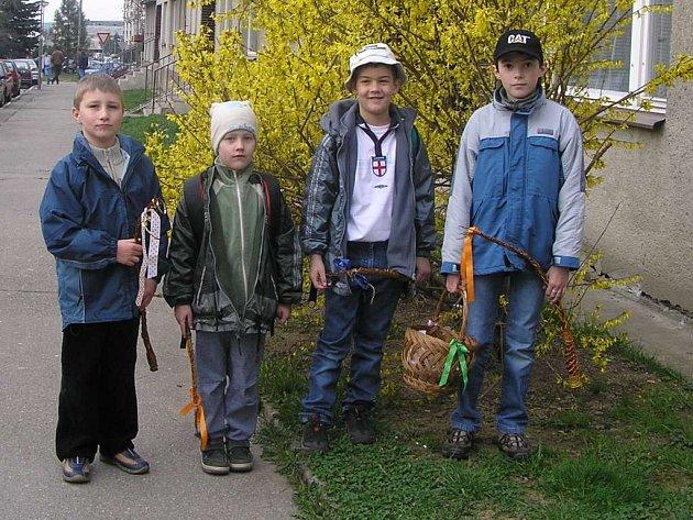 Jiřík, Kubík, Míša a Ondra z Nového Města na Moravě si vykoledovali řadu dobrot.