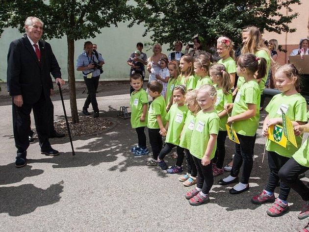 Třetí den návštěvy prezidenta republiky v Kraji Vysočina. Setkání s občany Heřmanova, Obce roku Kraje Vysočina.