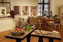 Cukrárenskou expozici si meziříčské muzeum vypůjčilo z Letohrádku Mitrovských v Brně.