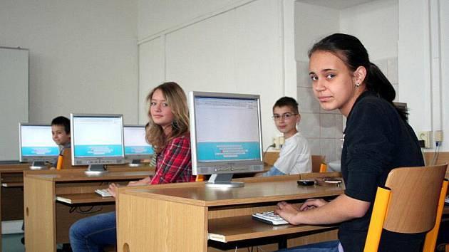 Novoměstské gymnázium bude opět hostit konferenci o počítačích