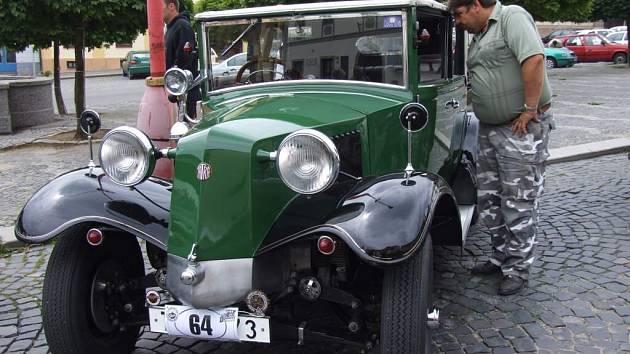 Tatra T 11
