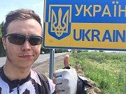 Jednadvacetiletý Dominik Tomášek z Víru vyrazil před měsícem na cestu kolem Černého moře, přes pět tisíc kilometrů chce ujet na kole, vracet se bude přes Turecko a země Balkánu.