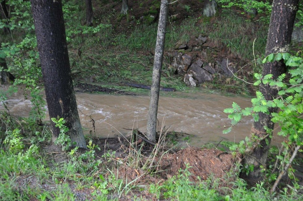 Přívalové deště potrápily Bobrovou i Olešinky.