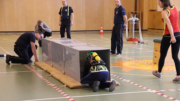 Mladí hasiči měřili své síly, čekala je náročná trať