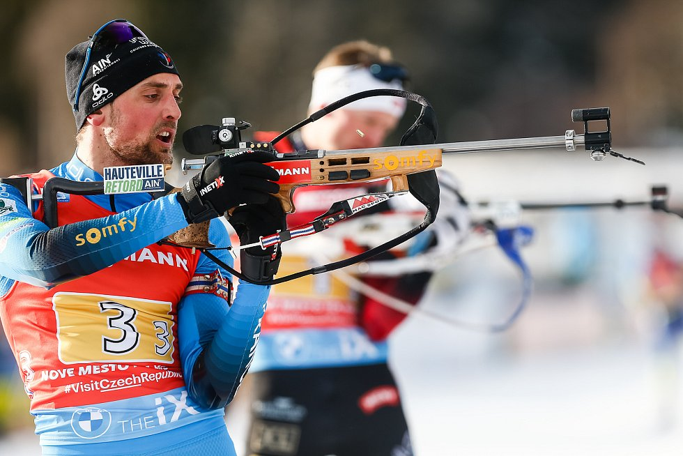 Simon Desthieux v závodu Světového poháru v biatlonu - štafeta 4 x 7,5 km mužů.