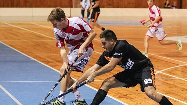 V play-down na sebe narazí Žďár nad Sázavou (v černém) a Bystřice nad Pernštejnem. Hroši jsou v sérii favoritem.