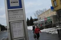 Ve Žďáře MHD zajišťuje dopravní společnost Zdar, po městě jezdí čtyřiadvacet autobusových linek.