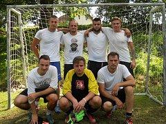 K vítězství v Olešné Jupíku vydatně pomohl nejlepší hráč turnaje Michal Šajner (vpravo dole).