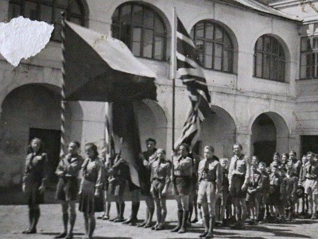 Jak jsme žili v Československu - novoměstští skauti