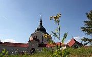 Poutní kostel svatého Jana Nepomuckého na Zelené hoře patří mezi nejvýznamnější památky barokního architekta Jana Blažeje Santini-Aichela. V roce 1994 byla tato památka zařazena do seznamu světového dědictví UNESCO.