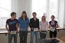 Atletický oddíl z Nového Města na Moravě se v roce 2010 dočkal nejen pětadvacetiletého jubilea, ale i řady medailí. Mezi nejlepší atlety patřili zleva Petr Vitner, Jitka Kubelová, Lukáš Kourek, Helena Tlustá a Radka Janoušová.