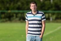 Ve své premiérové sezoně na lavičce fotbalistů Nové Vsi se Václav Pohanka pohybuje s týmem na špici tabulky krajského přeboru.
