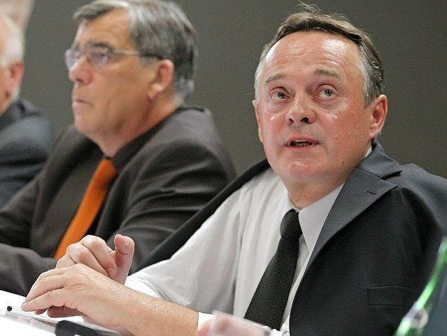 Závěrečný rozsudek v kauze Budišov byl vynesen 15. 7. 2009. Obžalovaný Zdeněk Doležel byl u Okresního soudu v Třebíči zproštěni viny.