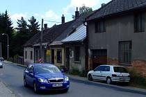 Řada domů o pěti číslech popisných má ustoupit silnici. V jednom z nich sídlí i zařízení Spektrum.