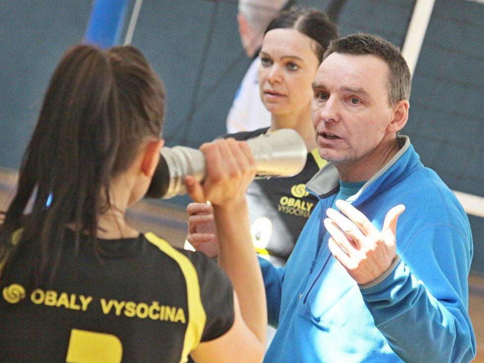 Vítězky krajského přeboru Vysočiny ze Žďáru nad Sázavou o víkendu úspěšně zvládly i nástrahy kvalifikačních bojů výhrou nad Znojmem.