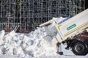 Příprava závodních tratí Vysočina areny na biatlonový Světový pohár v Novém Městě na Moravě.