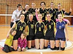 Ženy Žďáru měly po první výhře nad Havlíčkovým Brodem důvod k radosti. Získaly druholigovou jistotu. Tým Evy Ťupové (vlevo nahoře) obsadil konečné 7. místo.